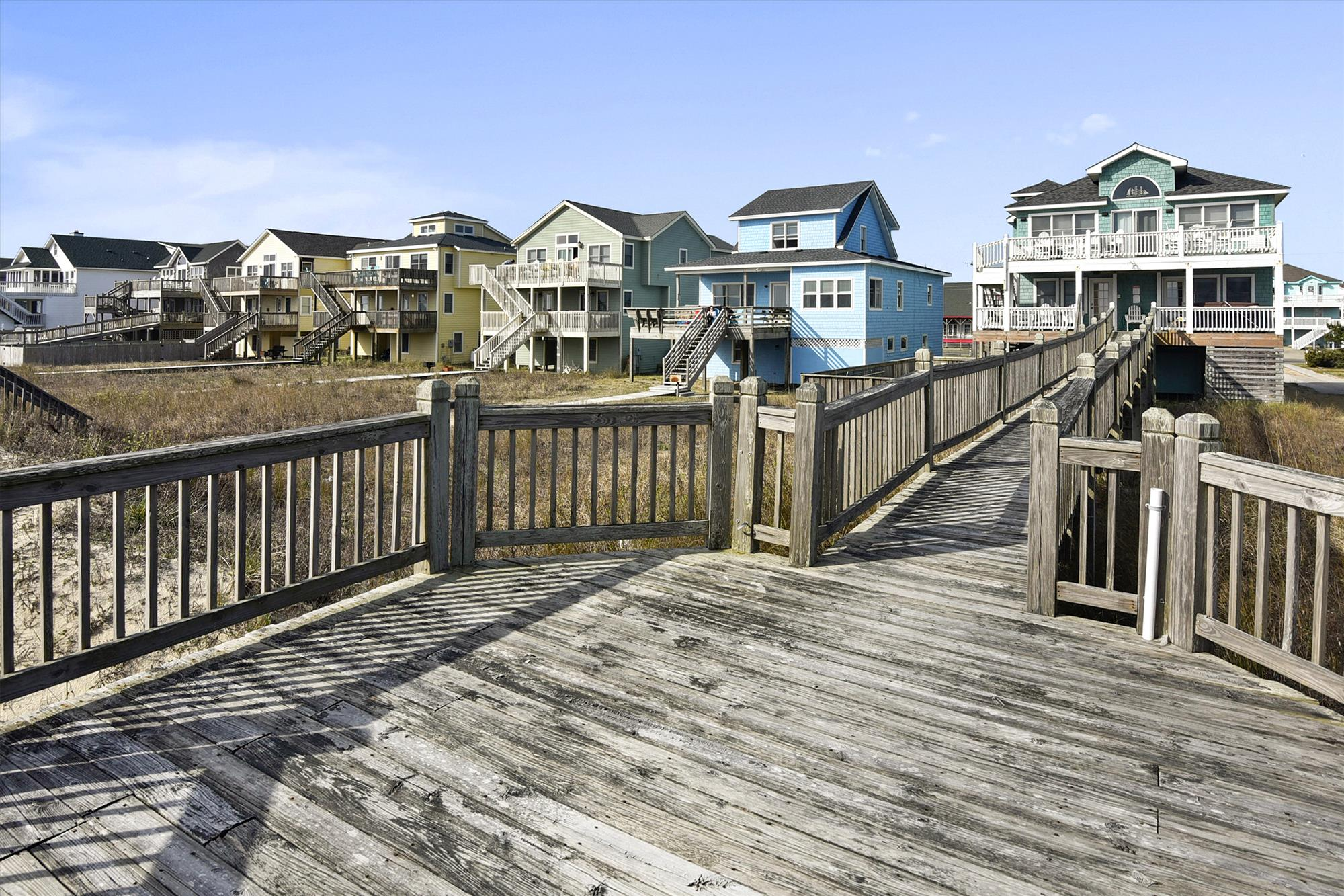 Middle/Entry Level,Beach Deck,